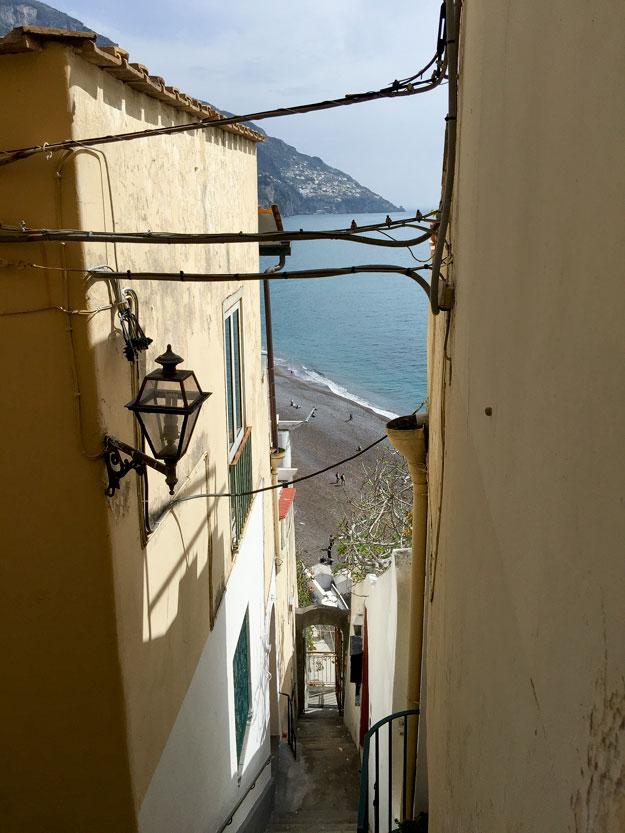 יצאנו לשיטוט בין הסמטאות והמדרגות התלולות של העיירה