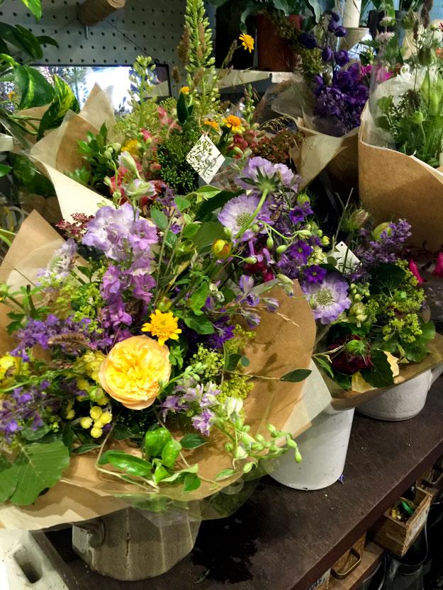 זרי פרחים מעוצבים