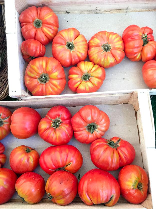 פום ד'מור, עגבניות יפיפיות בשוק האיכרים Marche Maubert