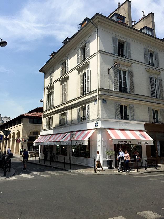 הפטיסרי הפריזאי הקלאסי של Gerard Mulot זה המקום לאכול פארי ברסט וטארט פטל מהטעימים שטעמתי בפריז. אצל מולו מוצגים בצורה הכי מפתה ומגרה שלל עוגות, מאפים, קינוחים, לחמים, כריכים וגם אוכל מעולה לקחת לפיקניק. הקישים הצרפתיים המסורתיים מהטובים ביותר בפריז ובבקר כמובן כל מאפי הבקר הקלאסיים. כיף לארוז מטעמים