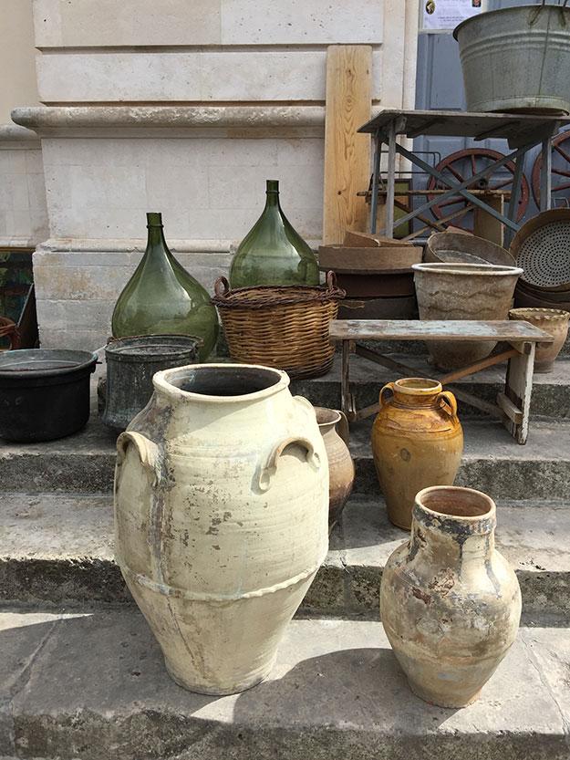 שוק עתיקות במרכז מרטינה פרנקה