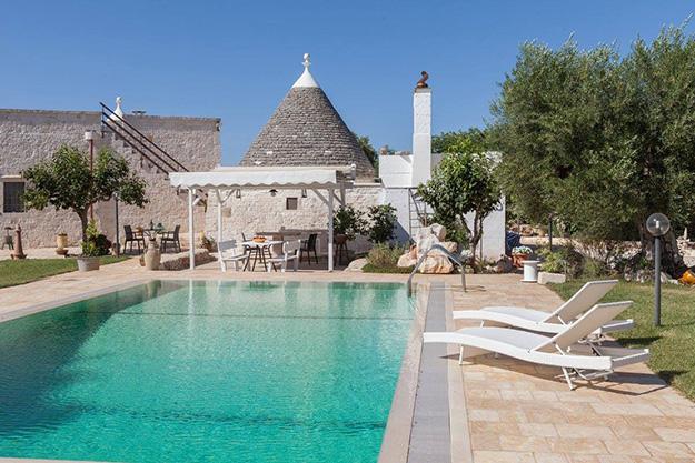 גן עדן בפוליה בית טרולי אוטנטי בפוליה לחופשה רומנטית מחברת Puglia Paradise