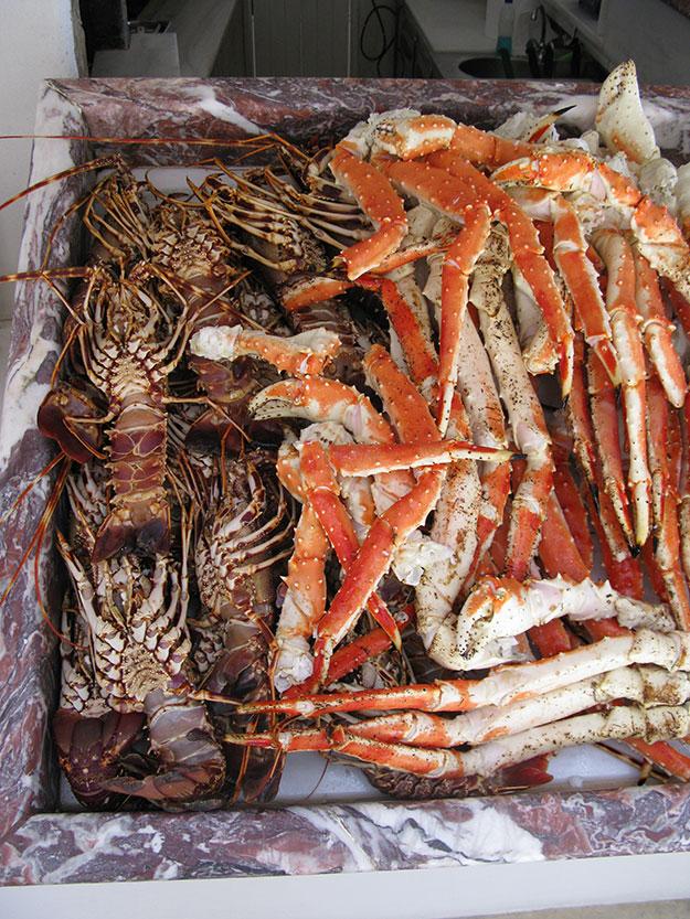 בנאמוס בתפריט מזנון דגים ופירות ים מרהיב