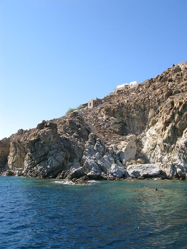 חופים וצוקי אבן בהפלגה