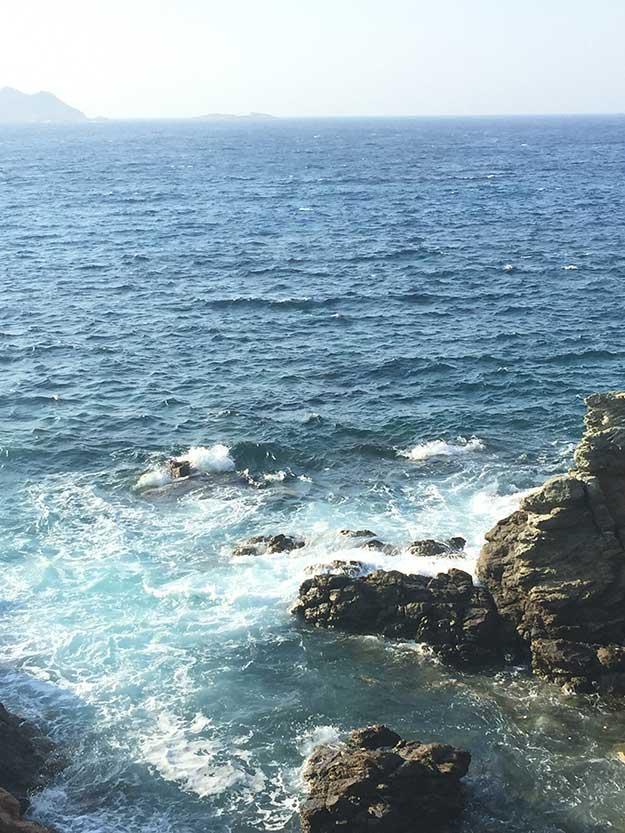 רוחות חזקות מכות בחוף פטליה