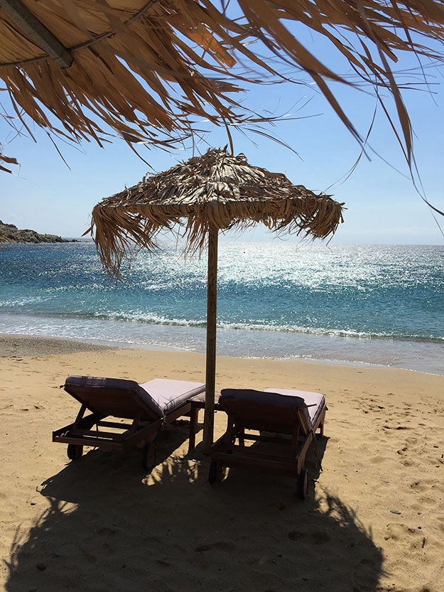 קאלאפטיס הוא חוף הכי פחות ממוסחר במיקונוס, עדיין נותר אותנטי ושקט