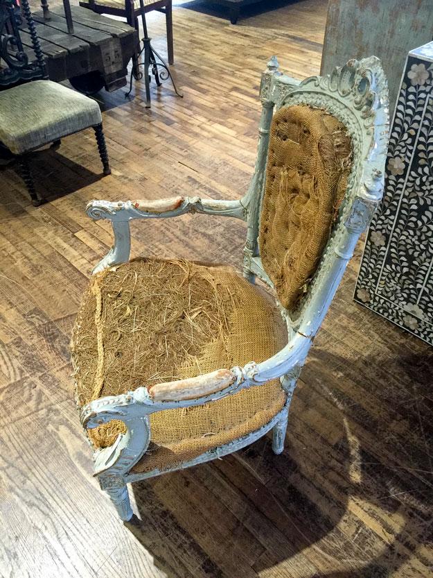 מודה יש לי אובססיה לא ברורה לכיסאות שיק מרופט