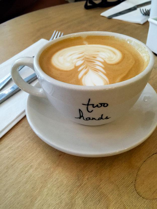 יש קפה טוב בניו יורק. הכי מצחיק שזה בבית קפה אוסטרלי.