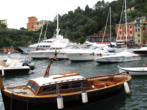 הרכבת זו גם דרך נהדרת לבקר בפנינה של ליגוריה, העיירה היפיפייה Portofino , אליה נמלטים לחופשה כל היפים והיפות.