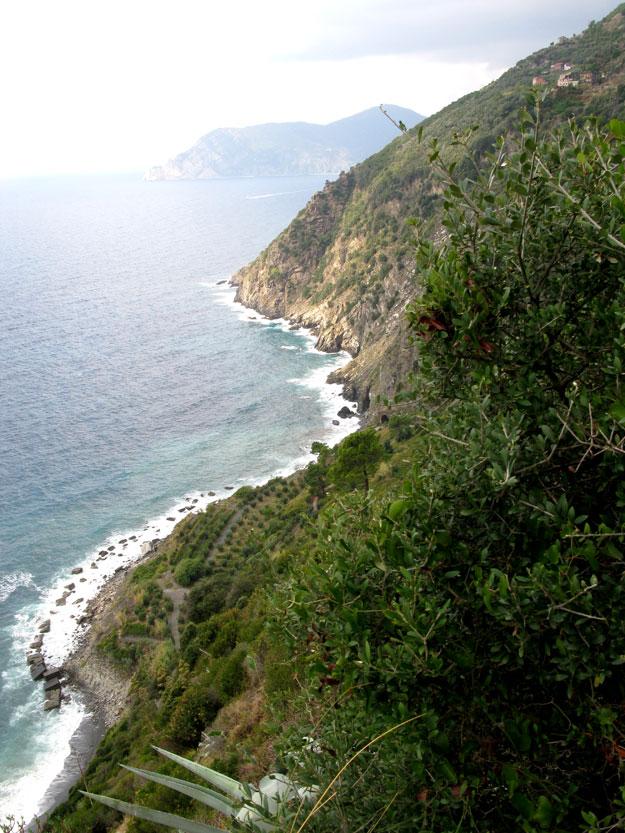 השבילים בהם טיילנו תלויים בין הים ליבשה. וזה הנוף המרבים של הים הנשקף לכל אורך ההליכה.