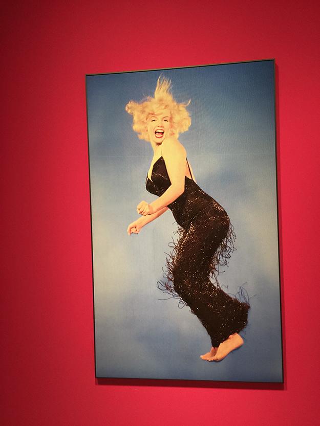 צילום של מרלין מונרו בקאישה פורום מדריד, מרכז אמנות גדול