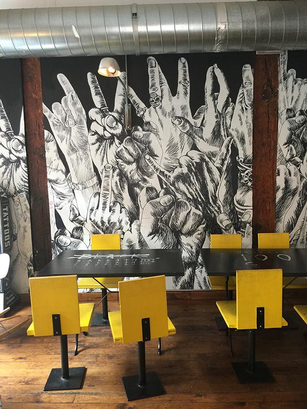 רובע מלסנה, המקום הומה בפעילות של אמנים והיפסטרים שפתחו חנויות אופנה אוונגרדיות, בתי קפה, ברים ומסעדות