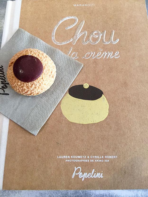 שורות של פחזניות שובבות ממולאות בקרם פיסטוק, שוקולד מלוח ופרלינה