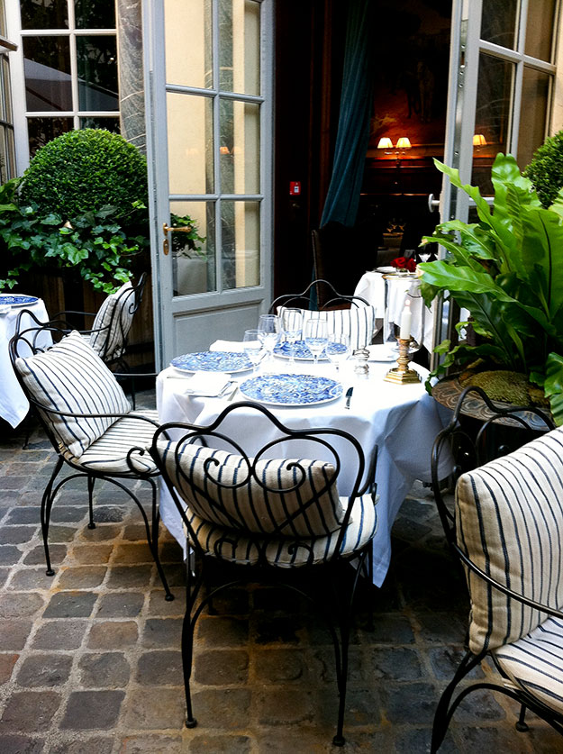 הבוטיק והמסעדה של ראלף לורן בפריז, הוא פנינה סודית שאני אוהבת במיוחד